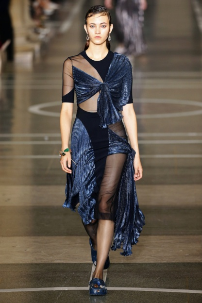Christopher Kane Look 28