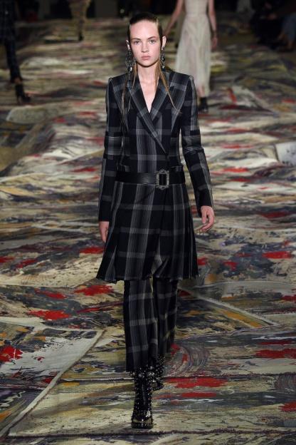 Alexander McQueen Look 7
