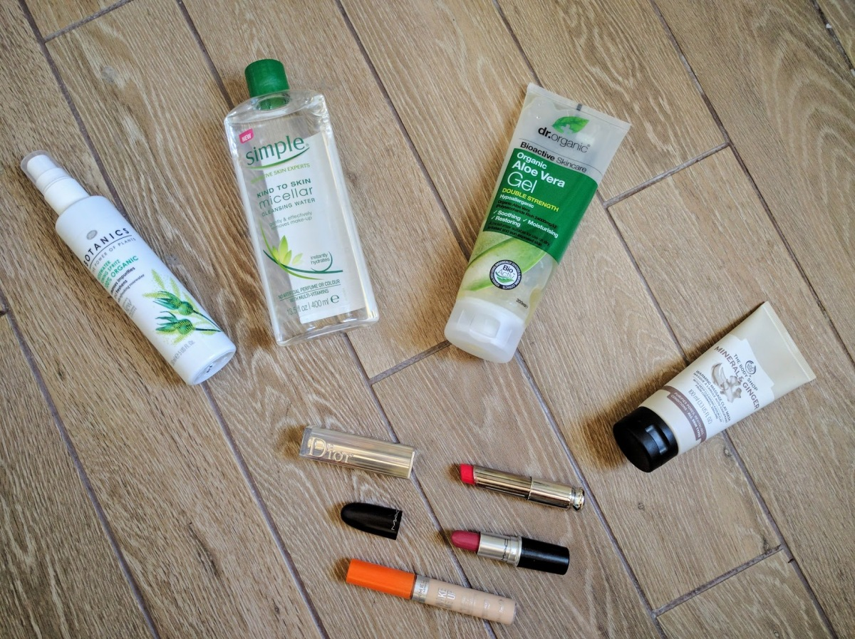November Monthly Favourites ft. Simple, The Body Shop + MAC